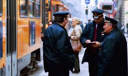 Sei salito sull'autobus senza biglietto e non vuoi scendere? Stai commettendo un reato!