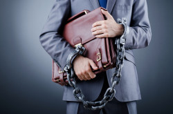 Bancarotta fraudolenta: imputazione soggettiva in capo all'amministratore di diritto