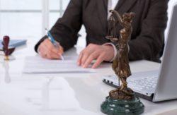 Il potere di autentica degli avvocati nella negoziazione assistita. La trascrizione della cessione di immobile senza il notaio