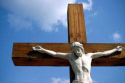 Sì al crocifisso negli edifici pubblici. A proposito della sentenza TAR Sardegna
