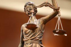 Esame Avvocato, Catania: se la Commissione è illegittima, i compiti vanno ricorretti